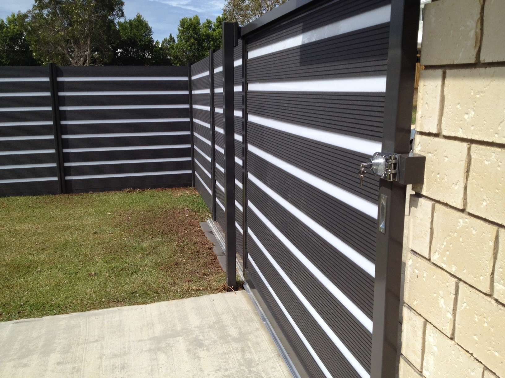 Decko Composite Wood Sliding Gate Rubicab Projects
